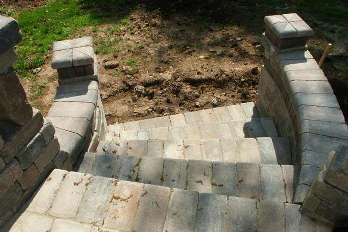 Elaborate paver patio step design